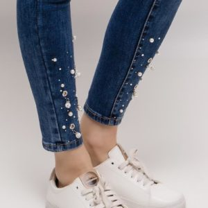 Jeans avec perles et strass aux chevilles